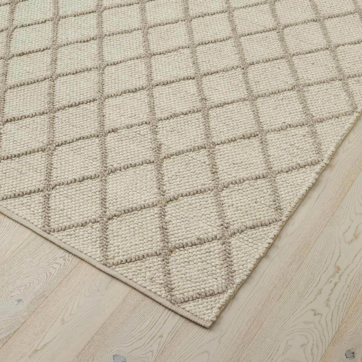 Mitre Ghost Rug - 200x300cm